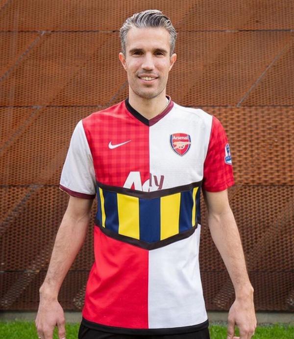 Đây! Chiếc áo Man United-Arsenal 'độc nhất vô nhị' của Van Persie - Bóng Đá
