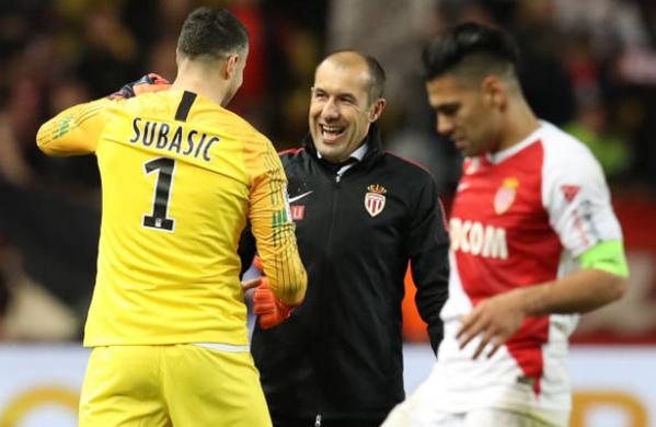 Monaco nguy cơ xuống hạng - Bóng Đá