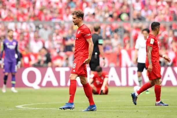 Nhận thẻ vàng sau khi ghi bàn, Ribery hành động 'sốc' với trọng tài - Bóng Đá