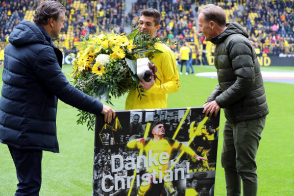 Christian Pulisic ra mắt Chelsea - Bóng Đá