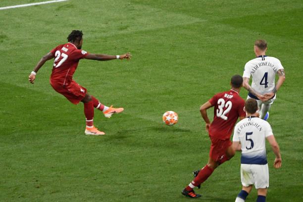 Tiết lộ: Phía sau màn ăn mừng của Salah là sự thật 'đau lòng'  - Bóng Đá