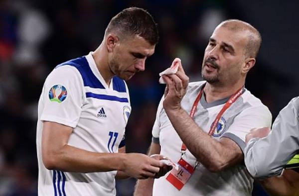 Ảnh sau trận Italia vs Bosnia - Bóng Đá