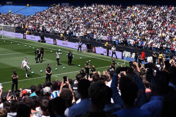 Ảnh Luka Jovic ra mắt Real - Bóng Đá