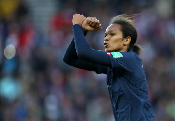 Đây! Pha phản lưới nhà 'tồi tệ' nhất cấp độ World Cup (nữ Pháp) - Bóng Đá