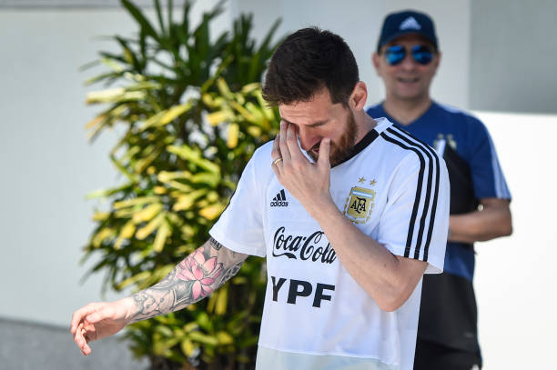 Lần đầu xuất hiện sau thất bại, đây là thái độ 'kỳ lạ' của Messi - Bóng Đá