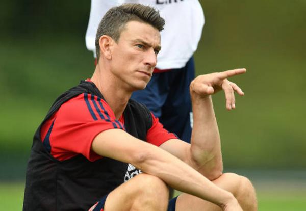 Thể hiện trên sân tập, tân binh Arsenal để lộ số áo 'khủng' - Bóng Đá