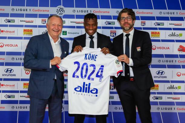 CHÍNH THỨC: Lyon ra mắt người thay thế sao Real - Bóng Đá
