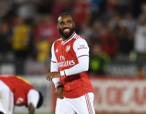Ra sân hơn 10 phút, sao Arsenal vẫn bị đối thủ 'sàm sỡ'  - Bóng Đá