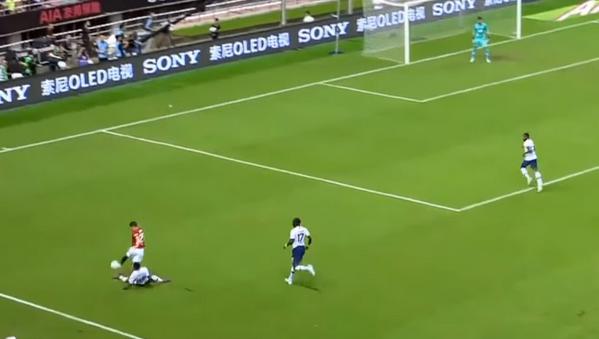 'Thương' Tottenham, CLB Premier League đầu tiên bất lực trước 'máy chạy' Man United (James) - Bóng Đá