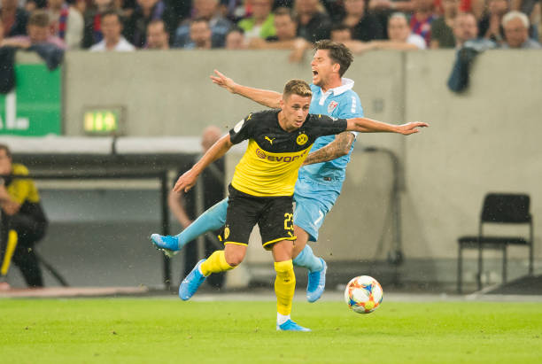 'Siêu thủ quân' nổ súng, Dortmund thắng nhẹ trận mở màn - Bóng Đá
