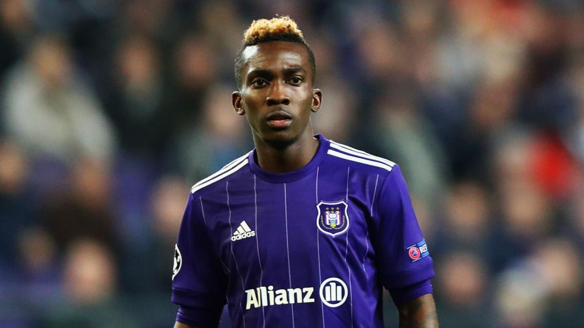 CHÍNH THỨC! Everton chia tay 'nạn nhân' của Iwobi (Onyekuru) - Bóng Đá