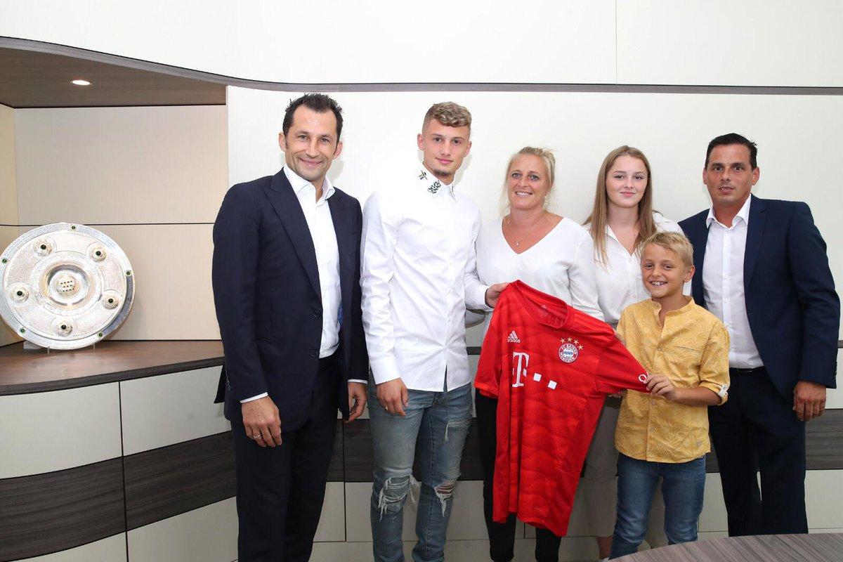 CHÍNH THỨC! Bayern chiêu mộ Michael Cuisance - Bóng Đá