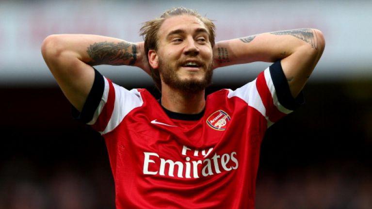 Đẳng cấp của 'Lord' Bendtner, bán sạch áo đấu chưa đầy 1 ngày - Bóng Đá