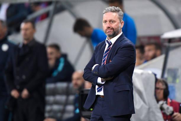 Lewandowski vô hình, đội nhà thua sốc ở vòng loại EURO - Bóng Đá