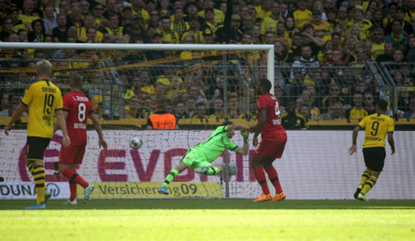 Reus lập cú đúp, Dortmund chấm dứt mạch bất bại của đối thủ - Bóng Đá
