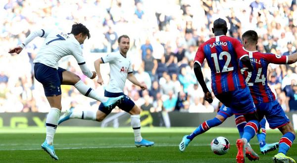 'Ác mộng' Man Utd phản lưới nhà, Tottenham đại thắng derby London - Bóng Đá