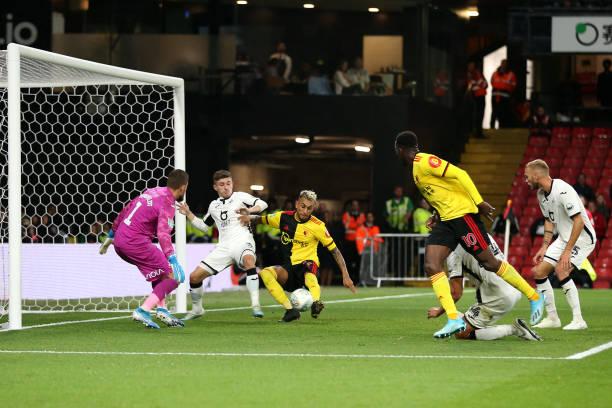 Welbeck ghi bàn, Watford đi tiếp - Bóng Đá