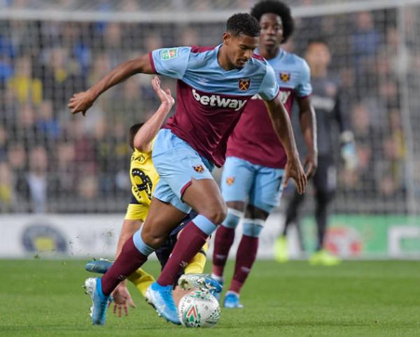 Vừa thắng Man United, West Ham đã thất bại kinh hoàng trước đội Hạng Ba - Bóng Đá