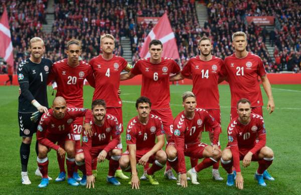 4 pha cản phá như 'siêu nhân', Kasper Schmeichel thay đổi số phận Đan Mạch ở vòng loại - Bóng Đá