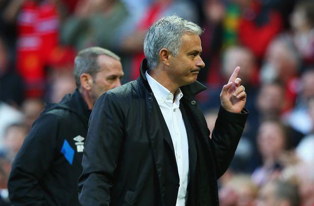 Matic tiết lộ kế hoạch đấu Liverpool của Mourinho