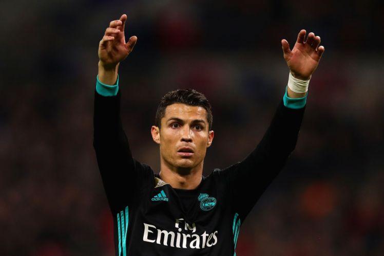 Ronaldo không muốn gia hạn hợp đồng với Real Madrid - Bóng Đá