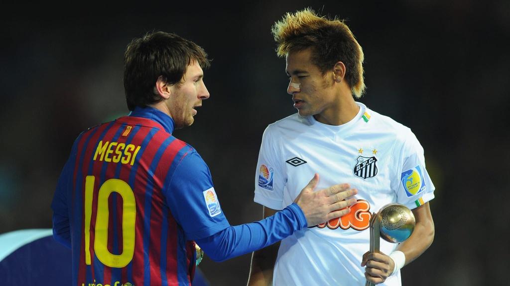Neymar rất thích được chơi cùng Lionel Messi.