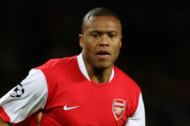 Nhìn lại những bản hợp đồng của Arsenal sau khi chi tiền xây sân  Emirates - Bóng Đá
