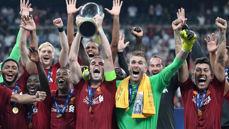 Awesome – Adrian wins first trophy of his professional career in his first start for Liverpool - Bóng Đá
