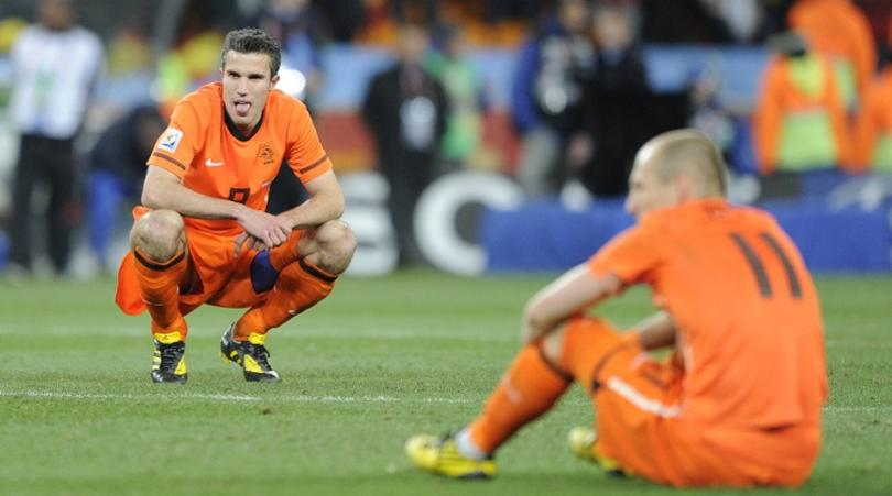 Ryan Babel names the four players whose egos prevented Holland winning 2010 World Cup  Read more at https://www.fourfourtwo.com/news/ryan-babel-wesley-sneijder-rafael-van-der-vaart-robin-van-persie-arjen-robben-netherlands-world-cup#QvEspbYGR1A6Ty4V.99 - Bóng Đá