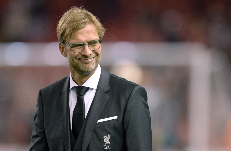 UNCOMFORTABLE Liverpool boss Jurgen Klopp explains why he won't be wearing a suit on the touchline anytime soon - Bóng Đá