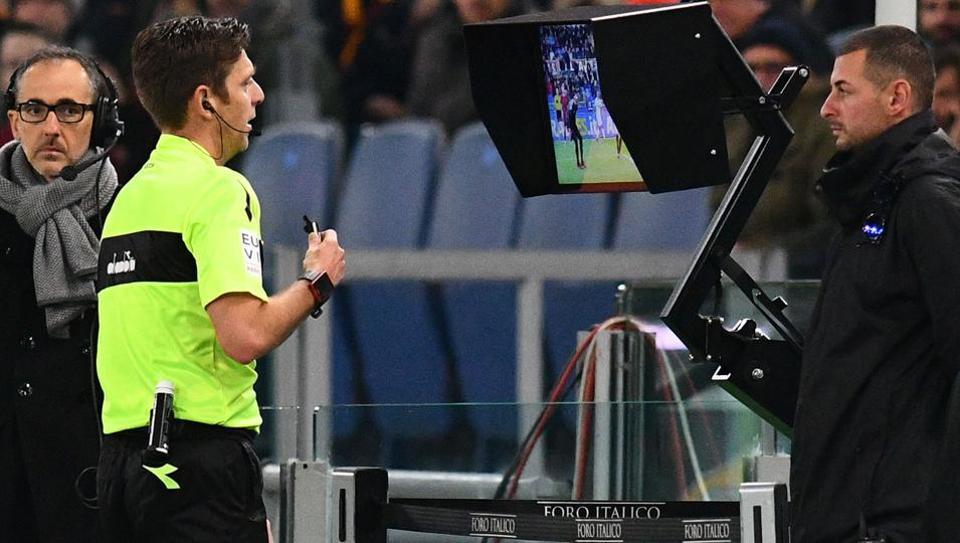 Các HLV Serie A thừa nhận 'không mê nổi' VAR - Bóng Đá