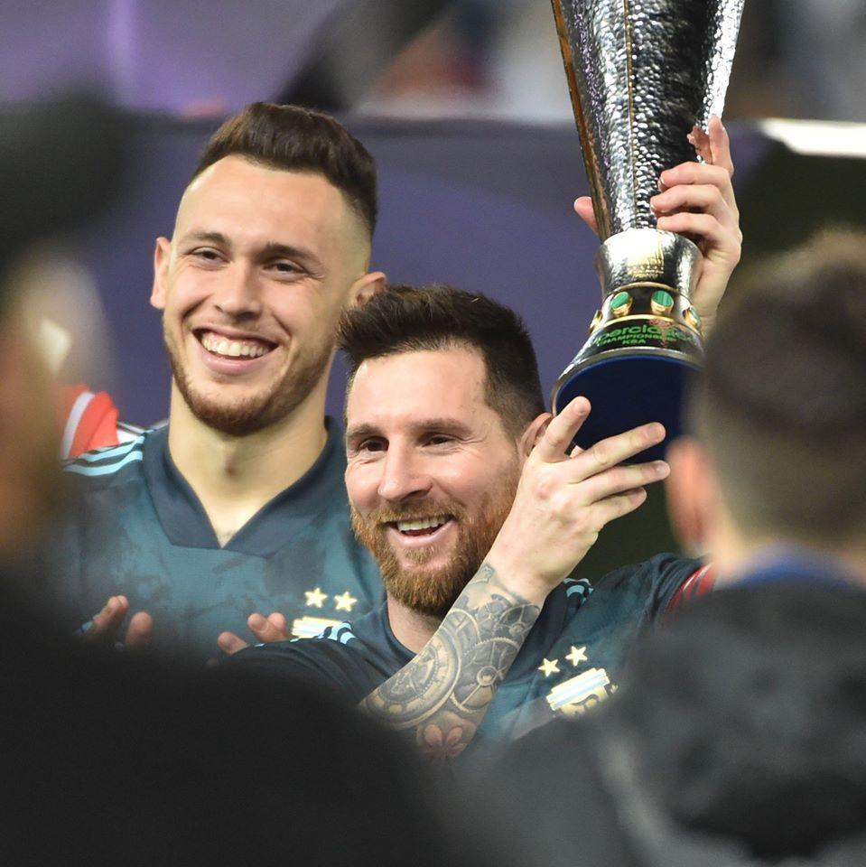 CHÍNH THỨC: Messi nâng cúp với đội tuyển Argentina  - Bóng Đá