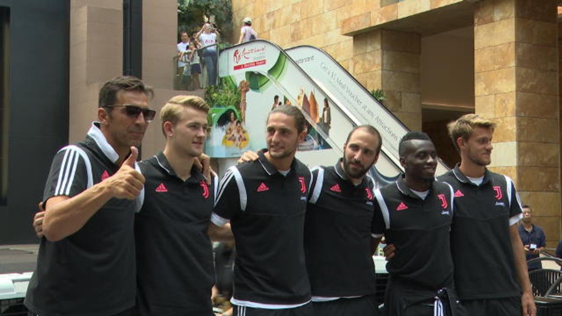 De Ligt talks to important Juve players: