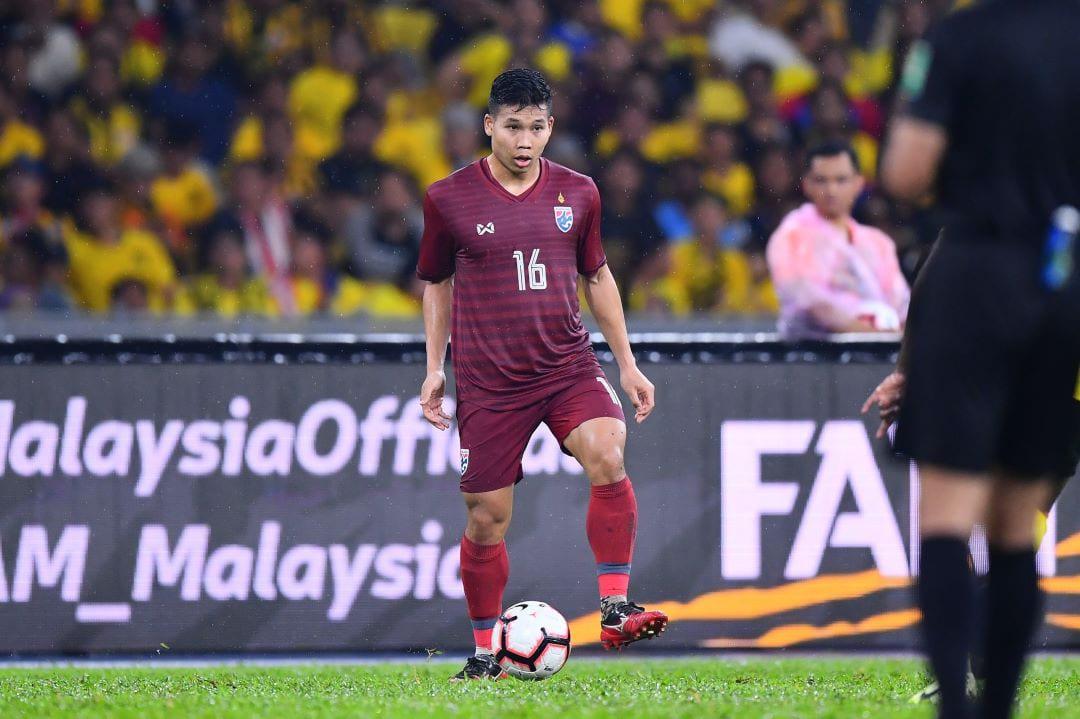 Tiền vệ Thái Lan khẳng định không mất tự tin sau trận thua Malaysia - Bóng Đá