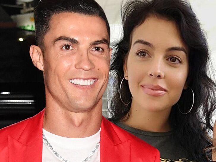 Cristiano Ronaldo Denies Marrying Girlfriend Georgina in Morocco - Bóng Đá