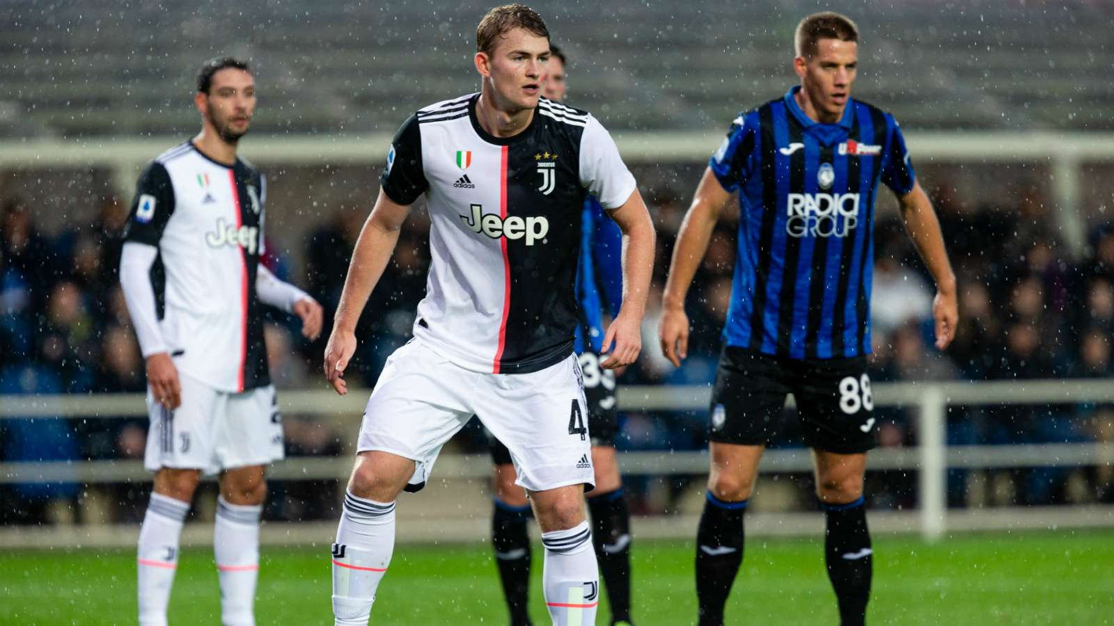 Juventus, De Ligt stronger than the pain: he played with a subluxation in the shoulder - Bóng Đá