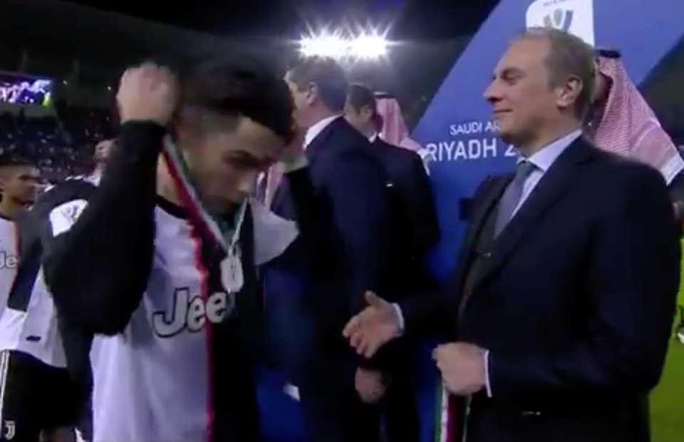 Khán giả phẫn nộ vì hành động kém lễ độ của Ronaldo sau trận thua Lazio - Bóng Đá