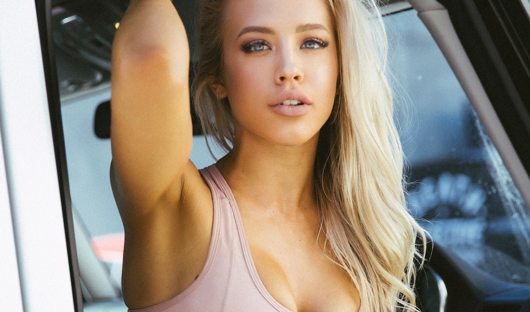 Fitness girl Tammy Hembrow: 'Everyone writes me, even an entire team' - Bóng Đá
