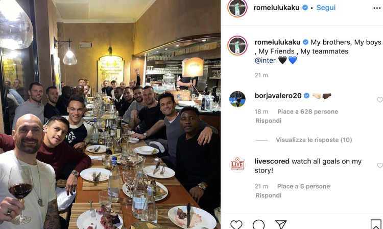 Inter, the whole team out for dinner: there is also Moses in the PHOTO of Lukaku - Bóng Đá