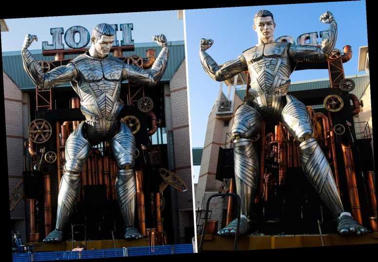 Ronaldo hóa người khổng lồ trong lễ hội truyền thống nước Ý - Bóng Đá