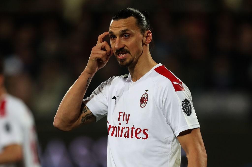 Milan fumble lead at 10-man Fiorentina - Bóng Đá