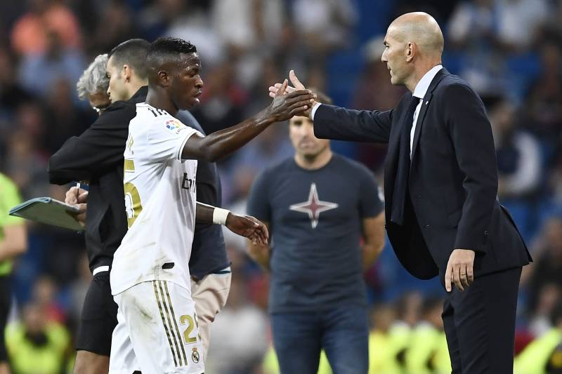 Vinicius must learn to live with criticism at Real Madrid - Zidane - Bóng Đá