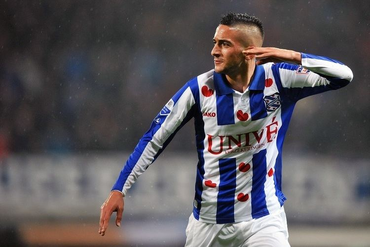 Heerenveen documentary by young Ziyech: beautiful goals and a beer shower for the trainer - Bóng Đá