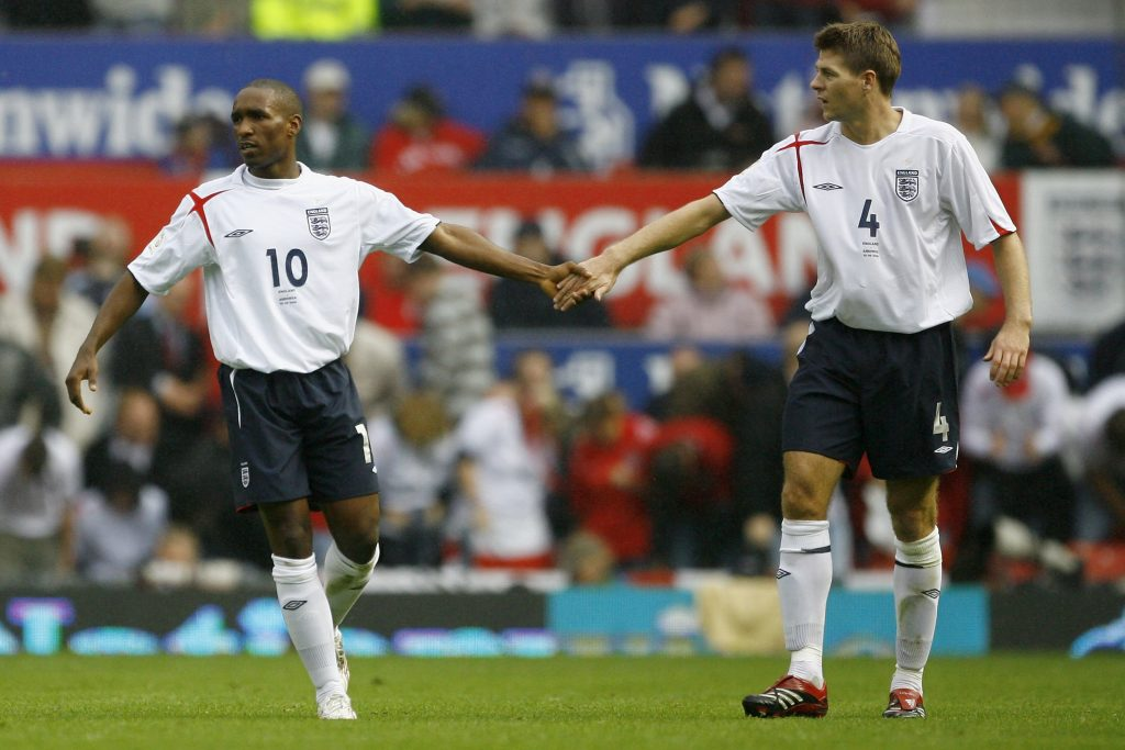 'Tôi đã hét vào mặt Gerrard, nói rằng anh ấy sẽ trở thành một HLV rất, rất đỉnh'