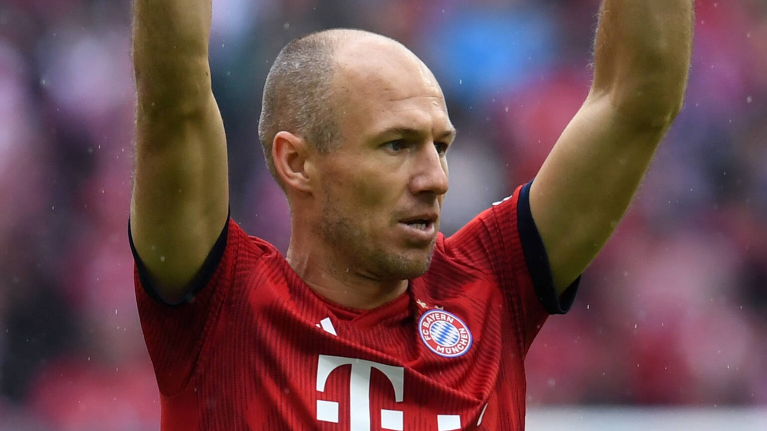 Bayern Munich, the coronavirus convinces Robben to return to training with the club - Bóng Đá