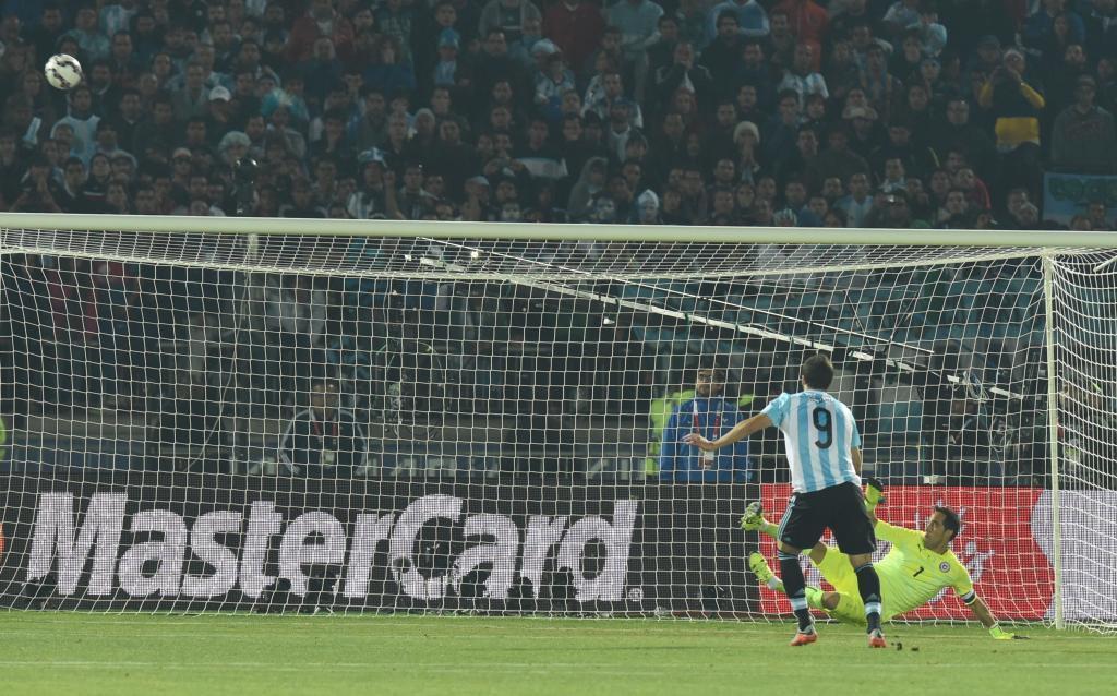 Maldini, Robben và những 'kẻ thất bại' vĩ đại nhất lịch sử bóng đá - Bóng Đá