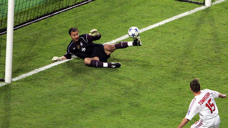 Người hùng Liverpool: 'Tôi đã muốn đấm thẳng vào mặt Rafa Benitez' - Bóng Đá