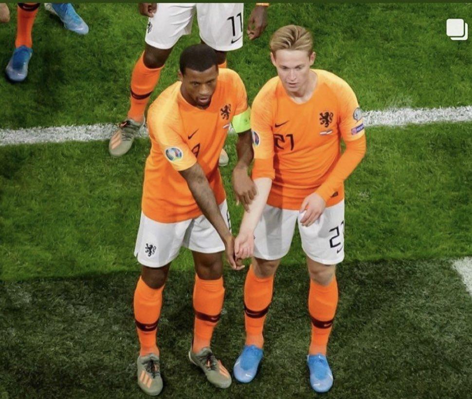 Những bức ảnh đẹp về các màu da trong bóng đá - Bóng Đá