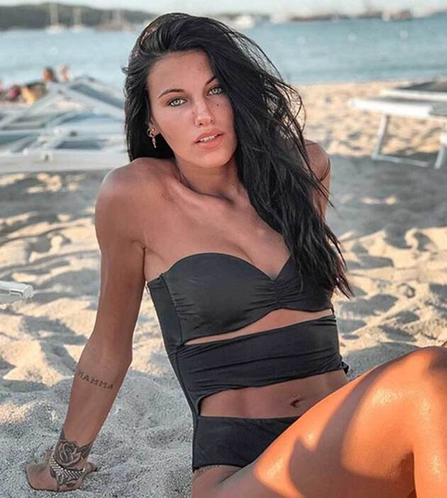 Carolina, Miss Italy pinched with Maldini's son? 'We are just friends ...'  - Bóng Đá
