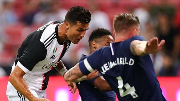'Ngọc quý' Tottenham hồi tưởng khoảnh khắc được chạm trán Ronaldo